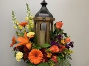 LANTERN WITH CANDLE & SEASONAL FRESH