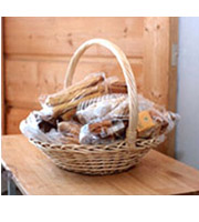 Classic Gourmet Pastry Basket