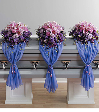 Find unique sympathy casket flowers for same day delivery to Cook, Arsulowicz, Pederson and Yntema funeral homes with Sunnyslope Floral