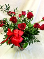Pequa Valentine's Day Red Rose Vase 2