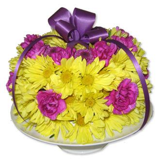 Birthday Flower Cake, daisies, carnations, birthday