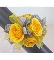 Yellow Gleam Wrist Corsage