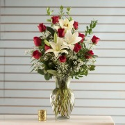 1 Dozen Radiant Rose with Lilies Arrangement