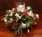 XMAS RED AND WHITE CENTERPIECE