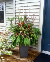 'Magnolia' Winter Urn