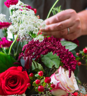 The FTD® Holiday Florist Designed Bouquet - Large