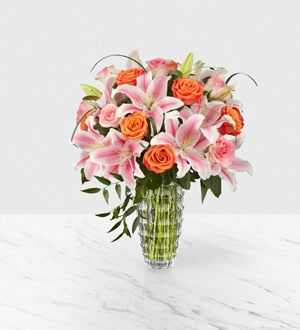 The FTD Sweetly Stunning™ Luxury Bouquet
