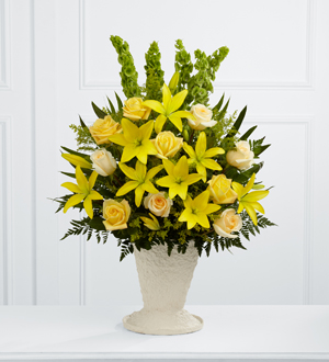 The FTD® Golden Memories™ Arrangement - Cleveland Ohio