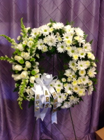 White daisy sympathy wreath