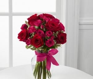 The Lovestruck Rose Bouquet