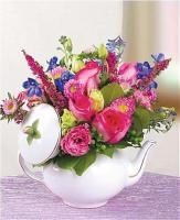 Vintage 3D Victorian Tea Pot Bouquet