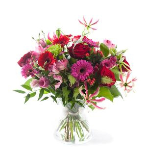 Charming Pink/Red Bouquet - Exclusive Vase