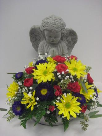 Sympathy angel with a bowl