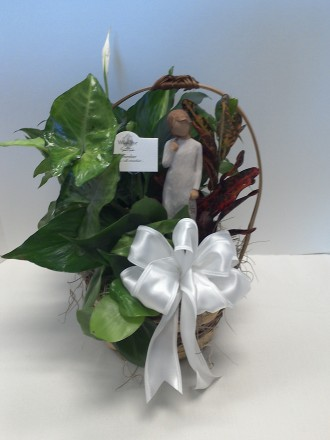 7 INCH PLANTER WITH A WILLOW TREE ANGEL