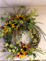 Artificial 23 inch decorated wreath