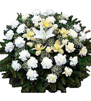 Wreath with White Flowers (without ribbon)