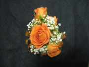 4 Mini Rose Corsage
