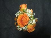 4 Mini Rose Corsage