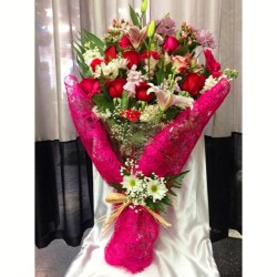 Danny S Flowers Gifts Love Bouquet Dearborn Heights Mi 48127 Ftd
