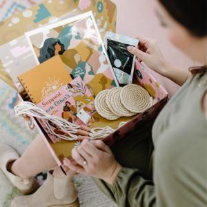 WOMEN\'S SPRING COLLECTIVE BOX