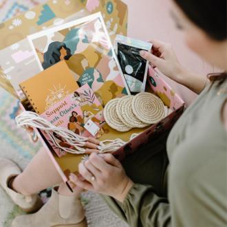 WOMEN'S SPRING COLLECTIVE BOX