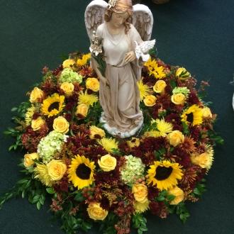 Pequa Urn Arrangement With Angel