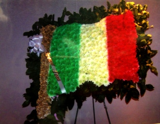 Pequa Italian Flag Arrangement