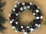 Cotton-succulent wreath