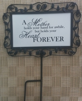C4 -Metal Mother\'s Day Sign