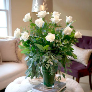 1 Dozen Premium White Roses Arranged