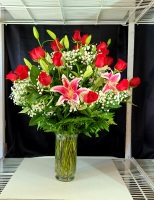 2 DOZEN RADIANT ROSE WITH LILIES ARRANGEMENT