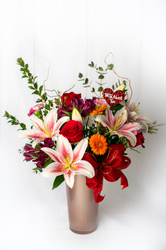 Feeling the Love Bouquet by Daisy a Day