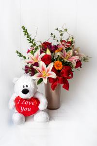 Feeling the Love Bouquet by Daisy a Day with I Love You Plush