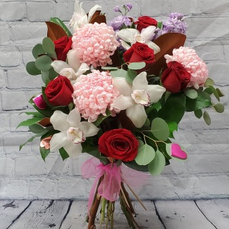 Señorita Luxury Hand-Tied Bouquet