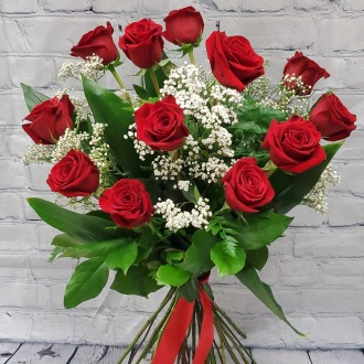 Classic 12 Premium Long Stem Red Roses