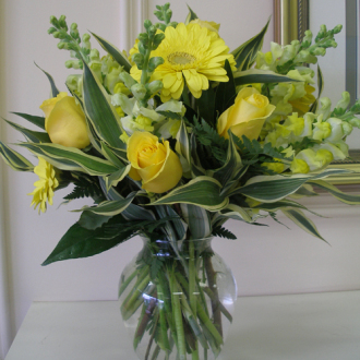 CARISMA FLORISTS® Sunshine Bouquet CF-17