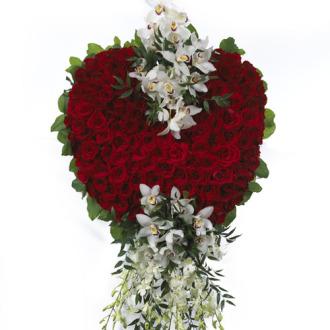 CARISMA FLORISTS® Red Rose Heart