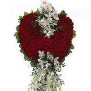 CARISMA FLORISTS® Red Rose Heart