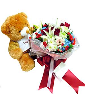 Teddy & Bouquet
