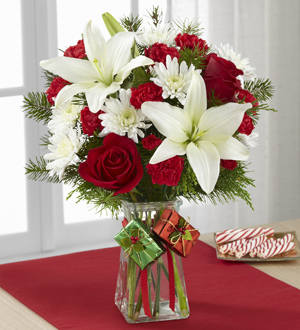 Le Bouquet FTD® Joyous Holiday™
