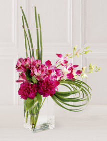 The FTD® Cosmopolitan™ Bouquet