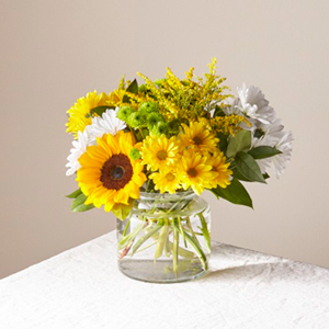 The FTD® Hello Sunshine Bouquet