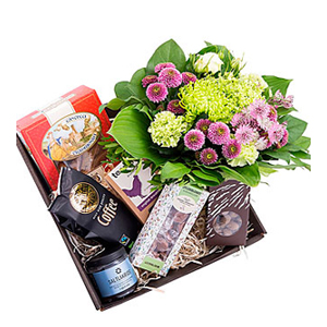 Gift Box with Bouquet- Florist\'s Choice