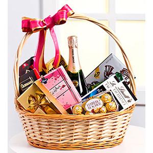 Sweet Gourmet Basket