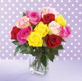Bouquet de roses mélangées avec vase GRATUIT