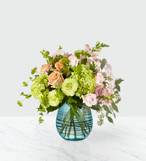 Irreplaceable™ Luxury Bouquet- VASE INCLUDED