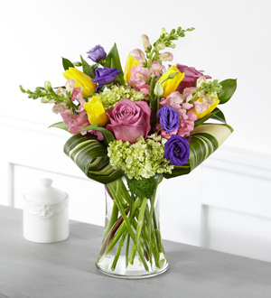 The FTD® Wondrous Memories™ Bouquet