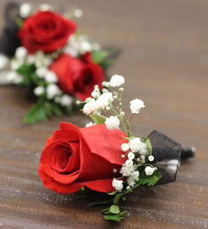 Boutonniere Red
