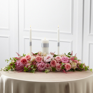 L\'Arrangement Chandelle de l\'Union, Romance Universelle™ de FTD®