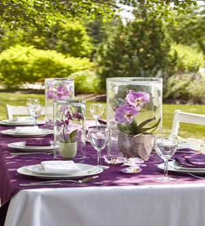 The FTD® Dramatic Garden™ Centerpiece